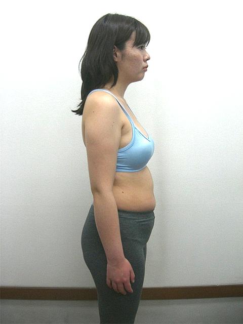 3か月 体重-3.2kg!ウエスト-7.5cm!ヒップ-6cm!ビフォア写真
